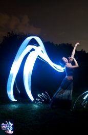 Isuelle - Light Painting Portraits